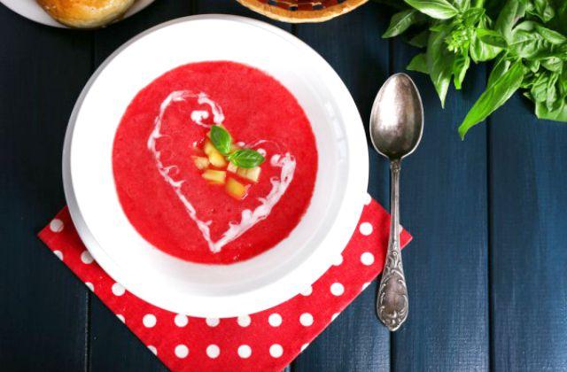 Летний суп из свеклы