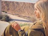Им сдаются без боя: девушки из армии Израиля поразили Сеть