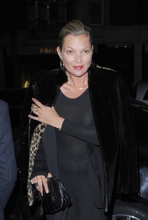 Кейт Мосс приехала на вечеринку по случаю дня рождения модельера Эдварда Эннинулла в Лондоне