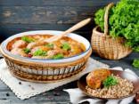 Просто и вкусно: ленивые голубцы в томатно-сметанном соусе