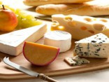 Медики рассказали об опасности сыра