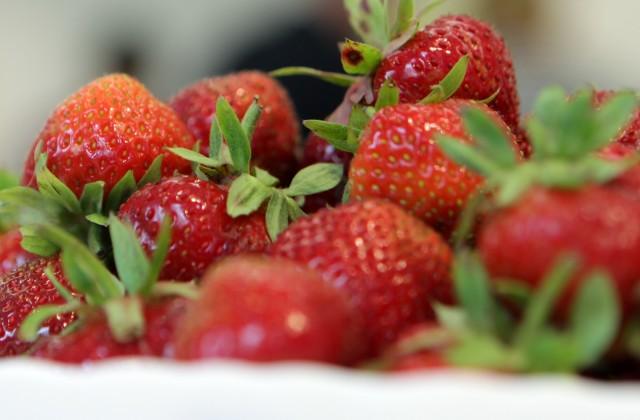 Клубника является более загрязненным пестицидами продуктом