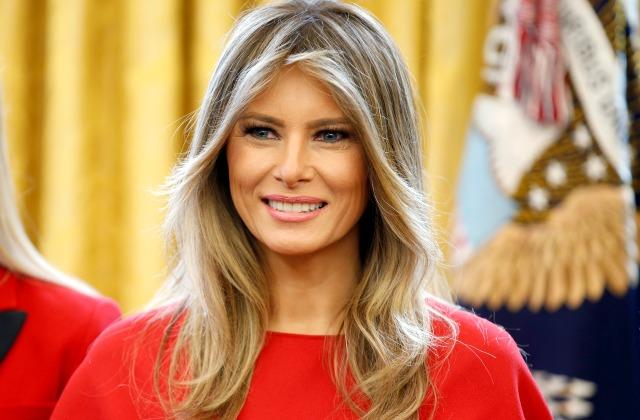 На рынке вКиеве отыскали копию платья Меланьи Трамп
