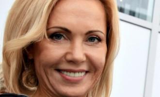 Советник министра иностранных дел Латвии сразила пикантными фото