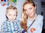 Татьяна Навка возмутила фанатов методами воспитания младшей дочери