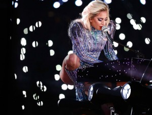 Леди Гага выступила на Super Bowl