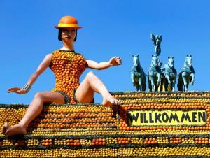Во Франции представили скульптуры из лимонов и апельсинов