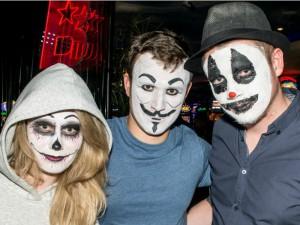 На вечеринке в честь Хэллоуина